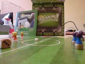 Schnipp es! Spannendes Fußball-Brettspiel