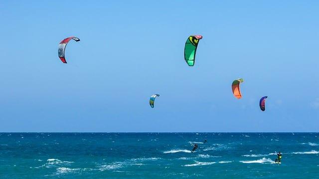 Kitesurfen – was ist das eigentlich?