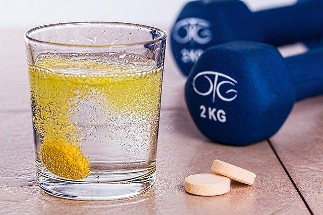 Gesunde Ernährung und Nahrungsergänzungsmittel im Sport